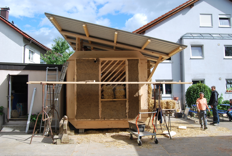 strohballen lehmbau workshop in freiburg transition town. Black Bedroom Furniture Sets. Home Design Ideas