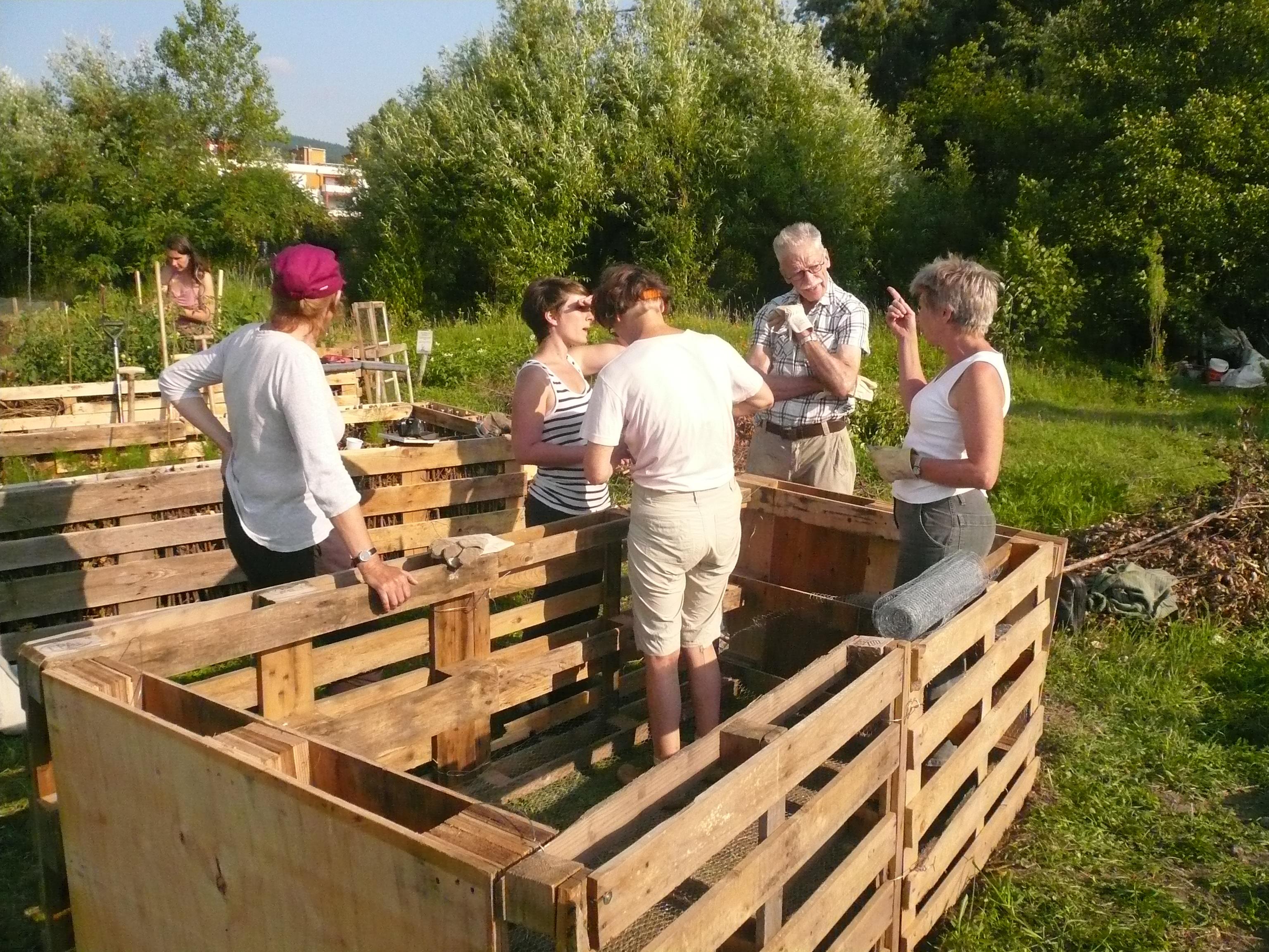 2013-07-11 Bau des 4. Hochbeets 013